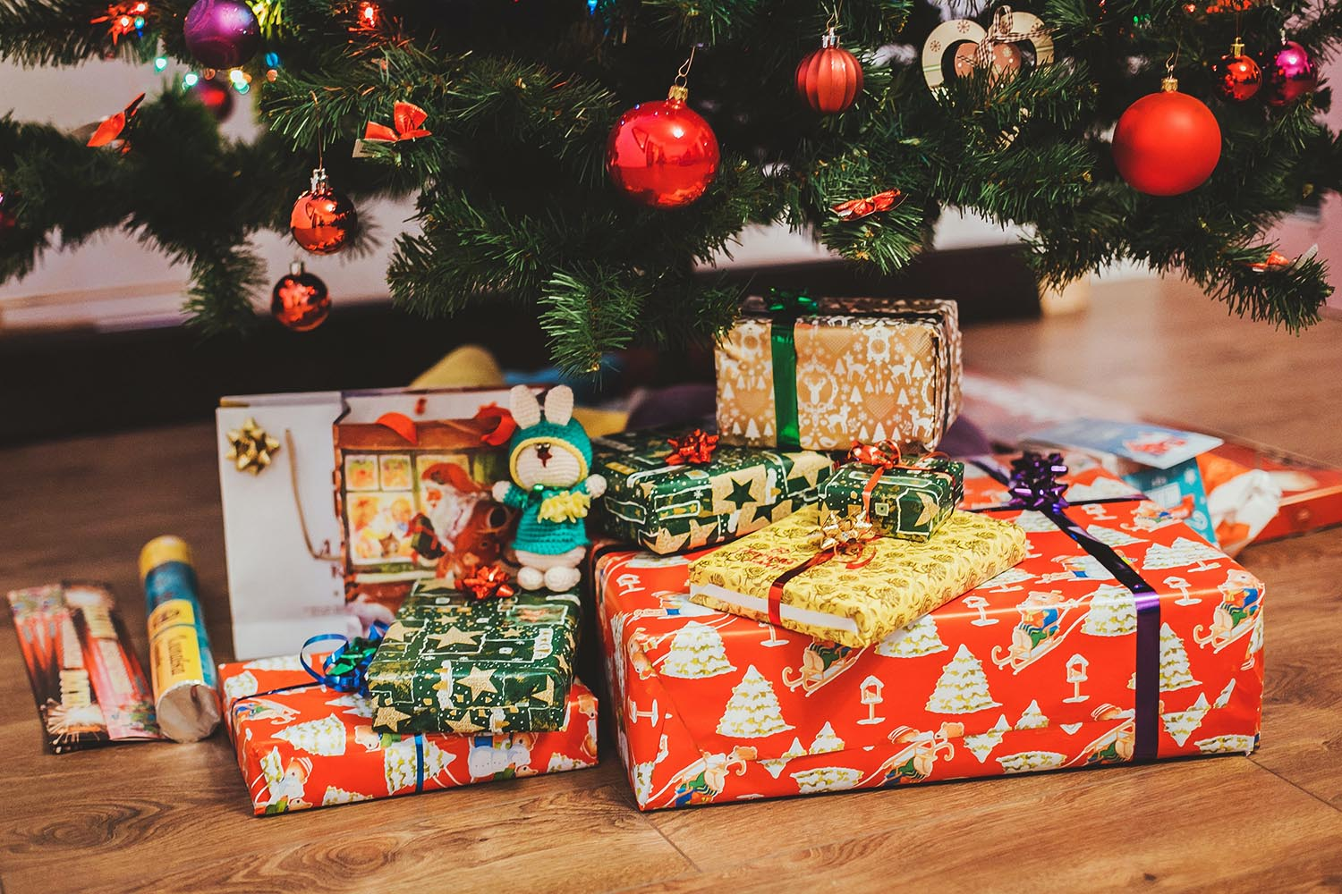 Why Do We Give Gifts At Christmas Gift Giving Traditions