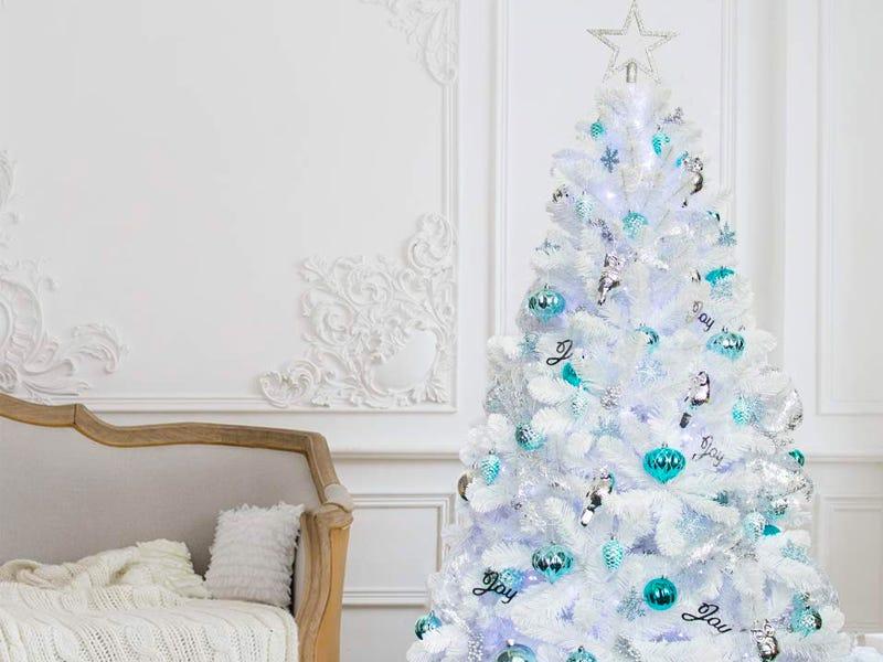 5 gorgeous white christmas trees christmas 2020 trend 5 gorgeous white christmas trees